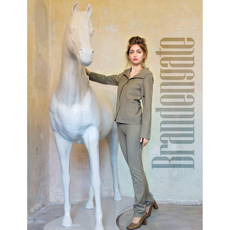 Brandengate-Anzug-Sherlock-Image-Pferd